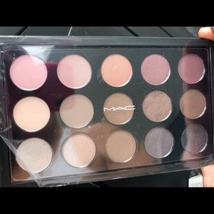 MAC EYESHADOW 15 PALETTE